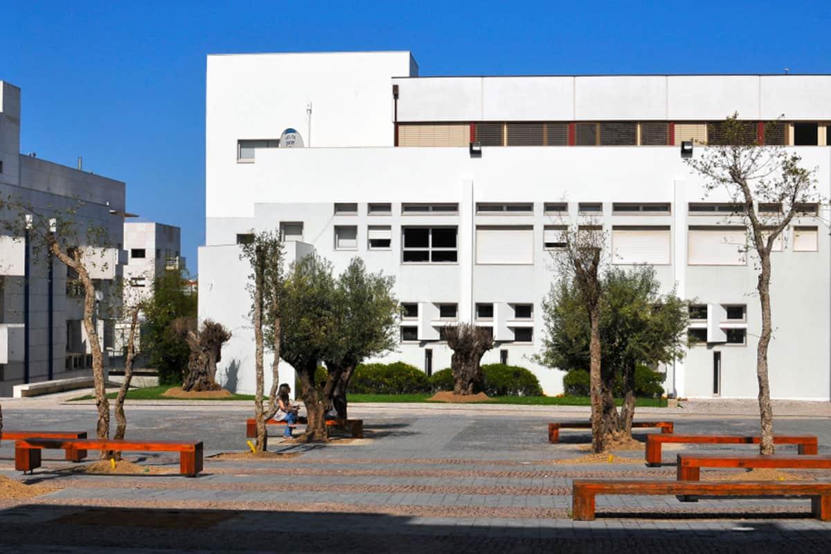 https://mostra.caerus.pt/wp-content/uploads/2021/04/mostra-caerus-iscte-campus2.jpg